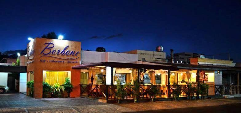 Resultado de imagen de imagenes restaurantes modernos fachada